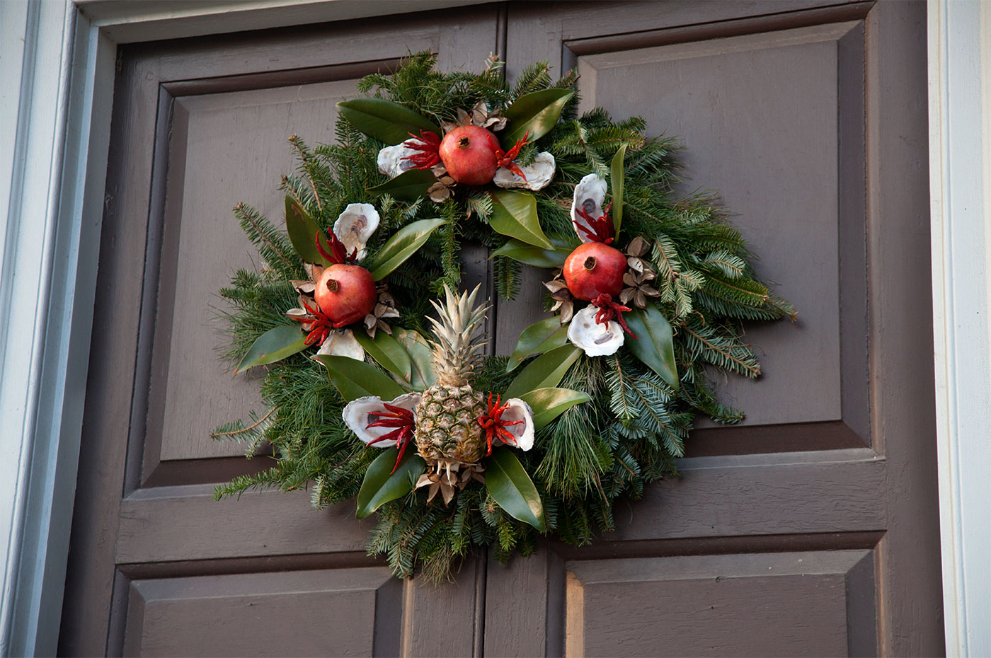 colonial williamsburg holiday wreath 2013 - Colonial Williamsburg Christmas Decorations